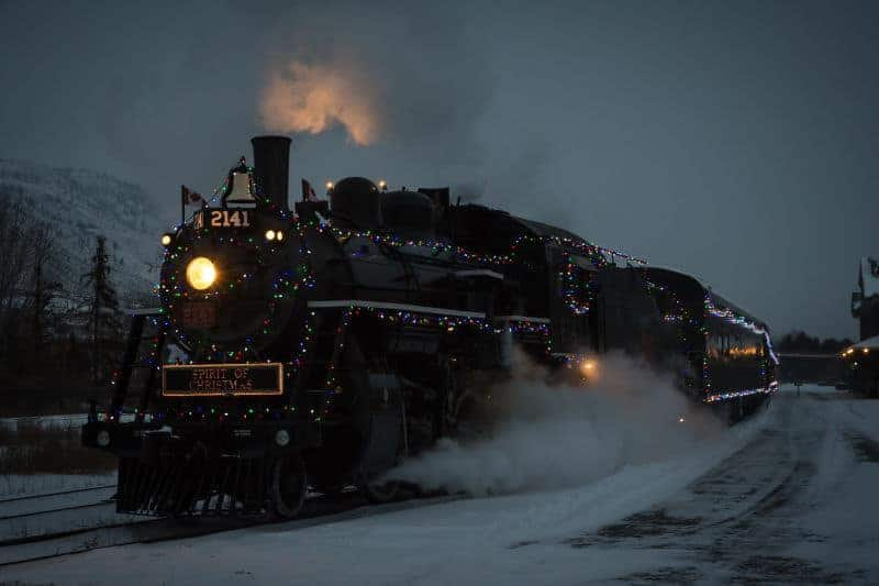 Dolina Moon - Xmas Train