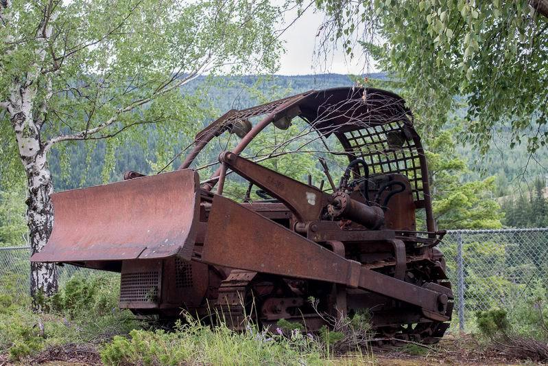 Val'sWkA15-Buldozer-Forestry Museum -6542