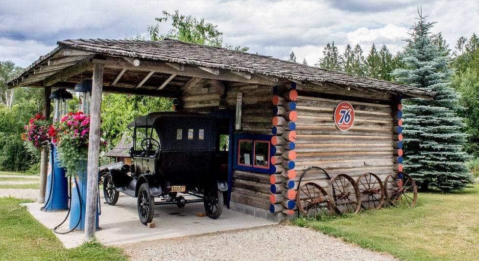Val'sWkA15-Garage-Haney Heritage Village-6469
